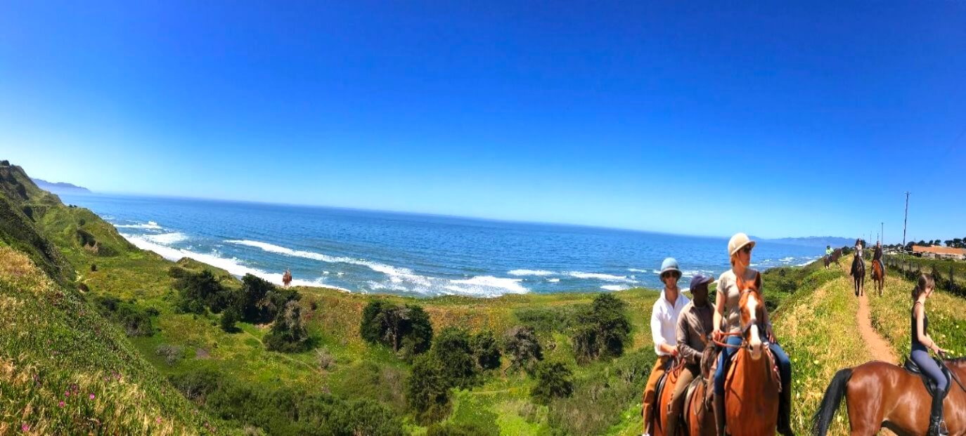 Horseback-Rides-on-the-beach-day-trip-from-San-Francisco