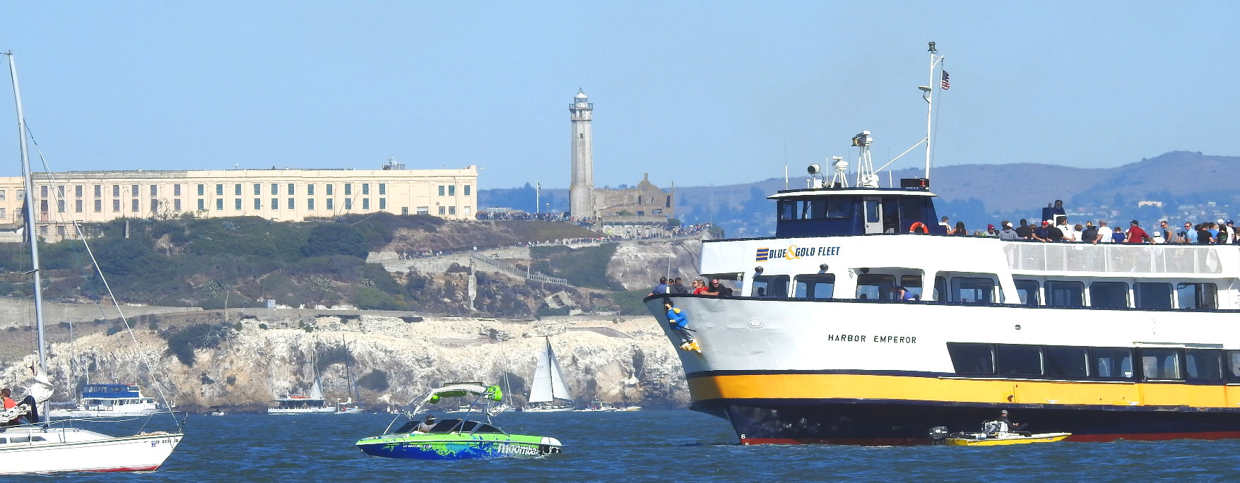 san_francisco_bay_cruises__ferry_trip_in_the_bay