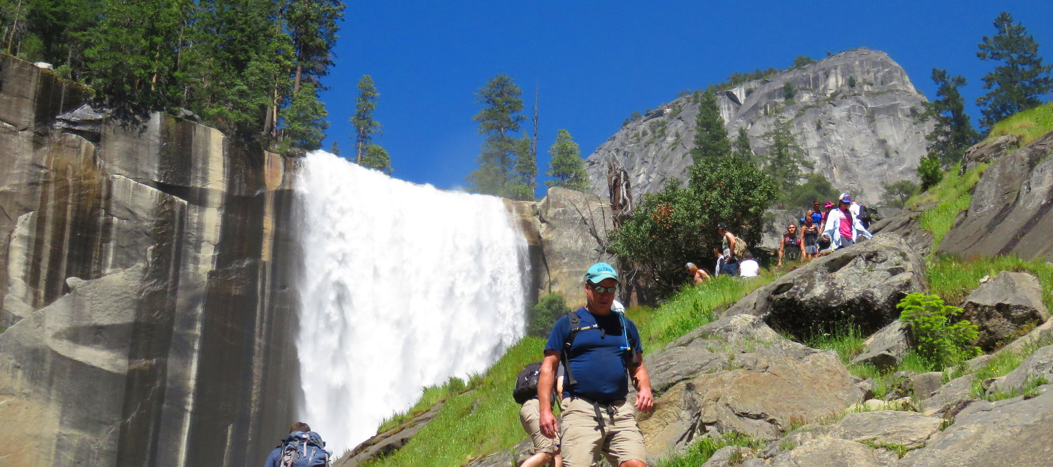waterfalls_hike___attractions_and_activities_in_yosemite_national_park_attractions